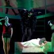 Der Brandner Kasper – Eine bairische Oper, mit Dorothee Velten, Eva Eiter und Armin Stockerer, Foto: © Julia Binder
